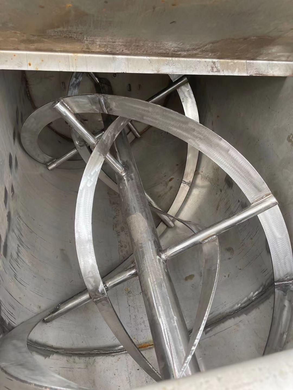 二手飼料螺帶混合機 二手2立方不銹鋼飼料螺帶混合機 來電咨詢